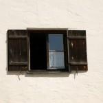 Licht und Lüftung für den Raum: Das Fenster. Foto: Christina Maderthoner / pixelio.de . (674102_original_R_K_B_by_Christina Maderthoner_pixelio.de)