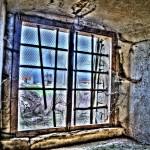 Licht und Lüftung für den Raum: Das Fenster. Foto: VeitD / pixelio.de . (687328_original_R_K_B_by_VeitD_pixelio.de)