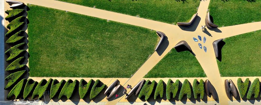 Arabeske Landschaften Kamel Louafi. Bild: Phot'On Air. (2020_05_Kamel_EschAlzette_2013PRO_4366 - Kopie_2)