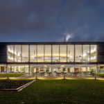 Licht entfesselt - Die Vitalisierung eines gefangenen Raums - Das Gebäude des Landtags BW. Foto: Marcus Ebener. (praxis_37-17_LandtagStuttgart_01)